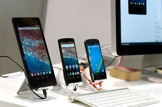Kurz notebooků, tabletů a chytrých telefonů